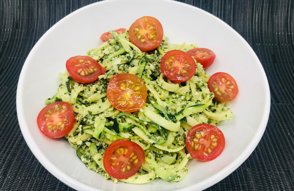 Pasta De Zucchini En Salsa Pesto Recetasfusion